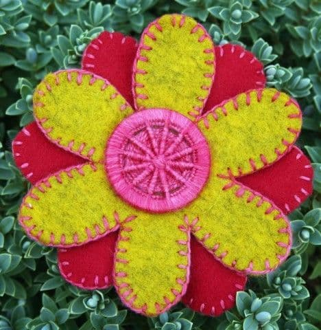 Dorset Button Sewing Kit - Flower Brooch, Yellow and Red