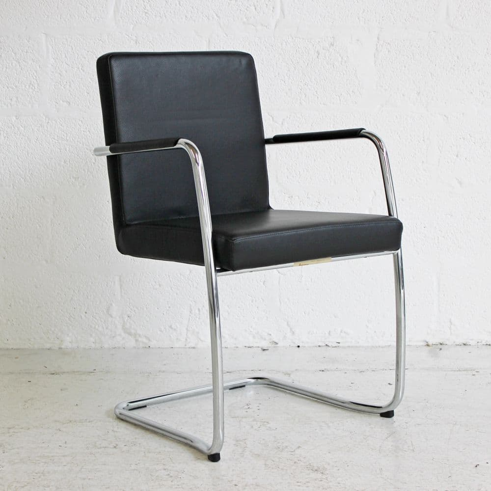 Bene Dexter Meeting Chair | Black Leather Chair | Leather Meeting Chair