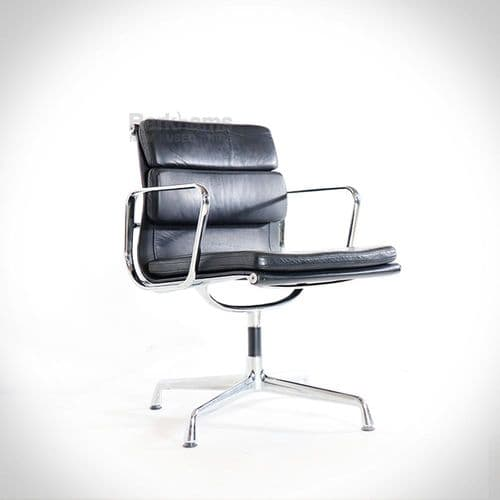 Eames Style Meeting Chair