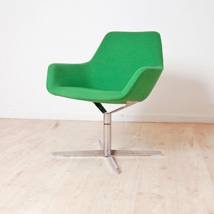 Hitch Mylius HM86a Reception Chairs | fabric chair with upholstered arms | bucket seat on swivel base
