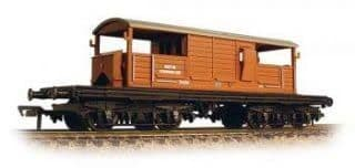 Bachmann 33-825G Queen Mary Brake Van Early BR Bauxite livery
