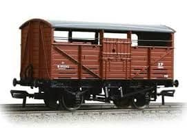 Bachmann 37-710A  8 ton cattle wagon in BR bauxite (early)