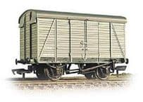 Bachmann 38-080A 12T Southern 2+2 Planked Vent Van LMS Grey