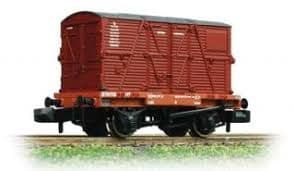 Graham Farish 377-328B Conflat with BD Container BR crimson