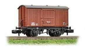 Graham Farish 377-976 12 Ton Eastern Ventilated Van Planked Ends BR Early Bauxite