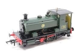 Hattons Andrew Barclay 0-4-0ST '705' in GWR green with shirtbutton roundel
