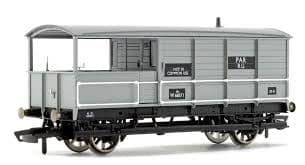Hornby R6824 BR (ex-GWR) AA15 20 Ton Goods Brake Van Toad W68571