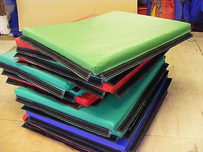 3 x  Quality Soft Play Mats 90 x 115 x 5  velcro together. (3)