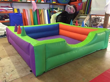 INFLATABLE SOFT PLAY BALL POND  10Ft x 10ft with Jugglers ANY COLOURS