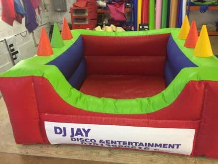 SOFT PLAY BALL POND  INFLATABLE With Air Jugglers  6.5ft x 6.5 ft with banner