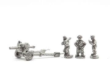 <n>BRA21 </n>M1A2 105mm Howitzer with crew