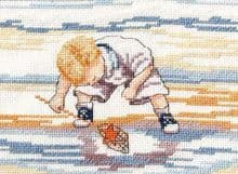 Faye Whittaker Starfish Finder cross stitch kit