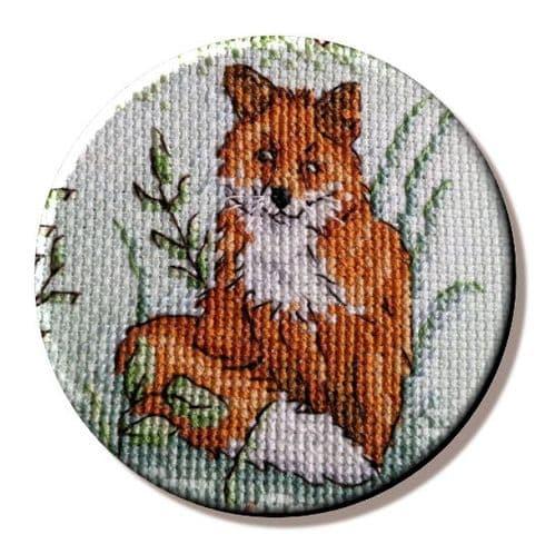 Woodland Fox needle minder