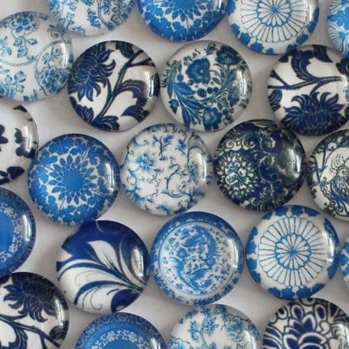 Blue and White Glass Cabochon Dome Circular Needle Minder
