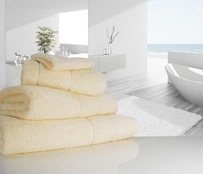 "linenHall ""Ultimate"" 700gsm Vanilla Cream Bath Sheet 100cm x 170cm"