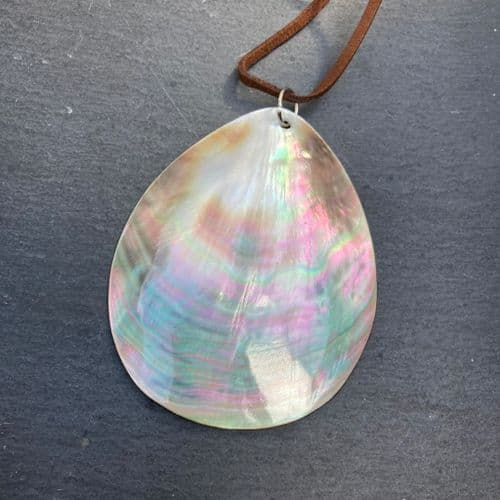 Mother of Pearl Pendant WAS £20 MN06-LW