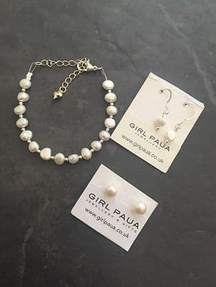 SET - Freshwater Pearl Bracelet and ONE PAIR Earrings